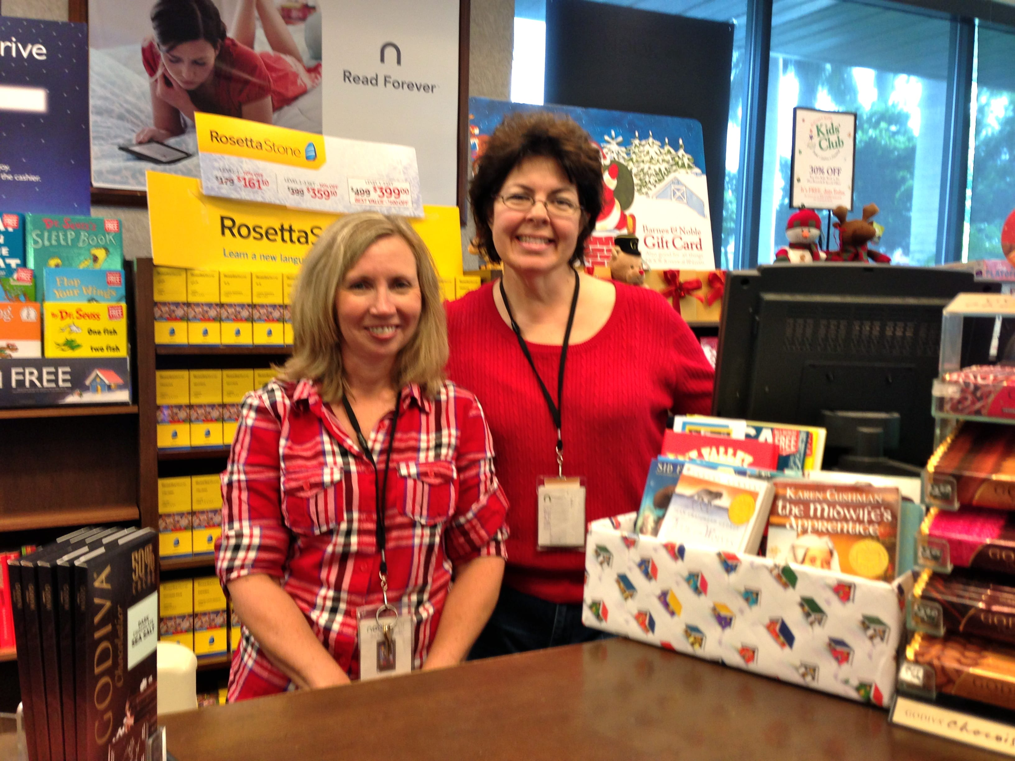 Naples Barnes Noble Hosts 5th Annual Holiday Book Drive Benefiting
