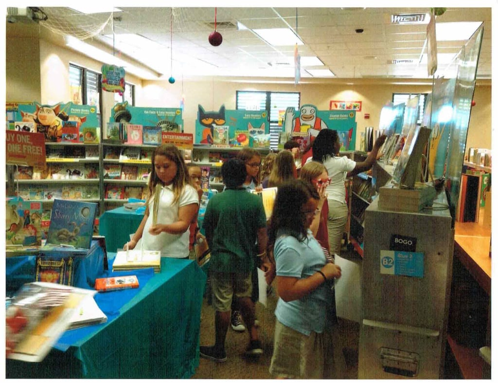 Book Awards 2015 Students Shopping for Books at Book Fair 10081407