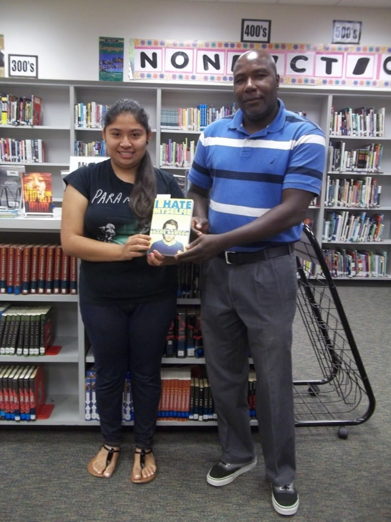 IHS Top Reader Book Awards 2015 - Book Club 100_0226