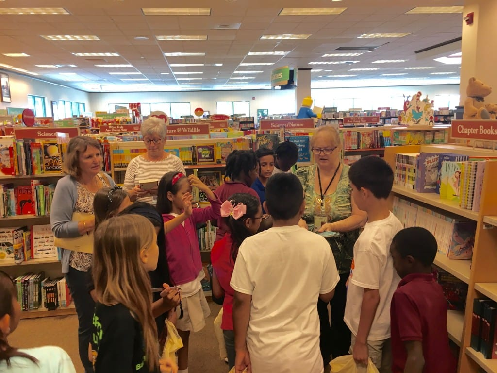 AES at BN - honorees receive bookmarks