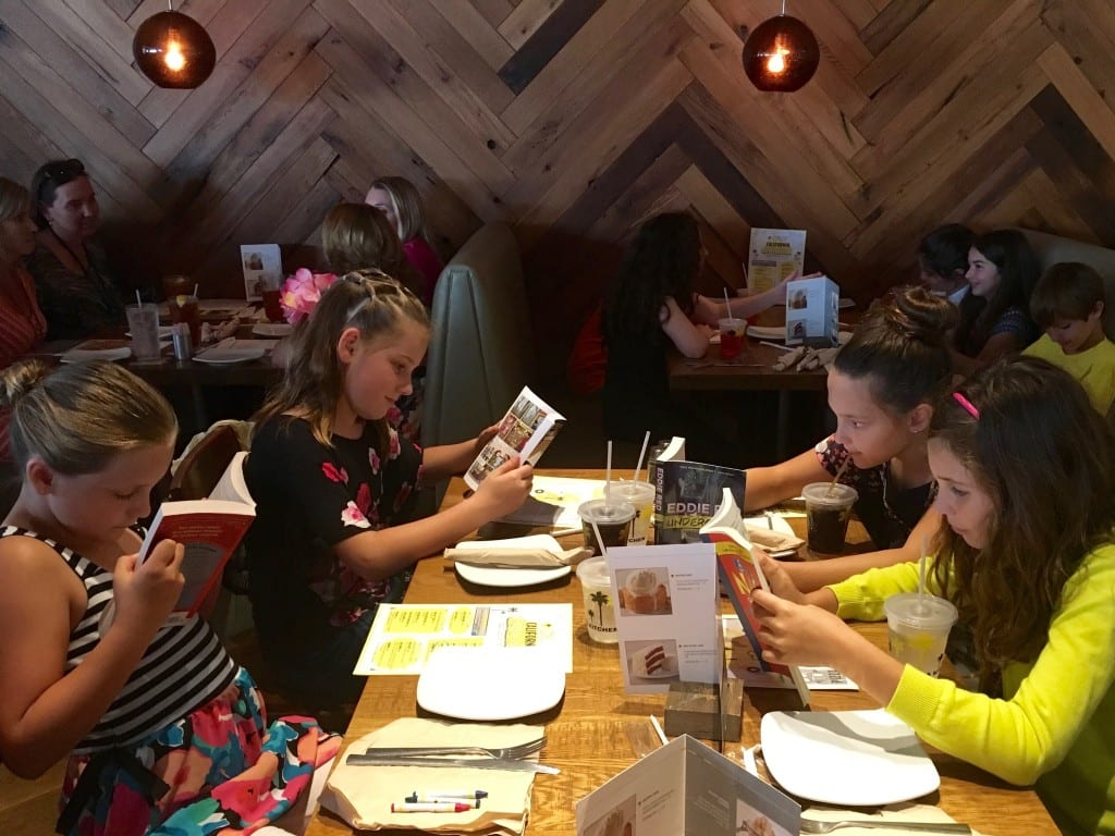 LOE CPK Table of 4 girls reading books